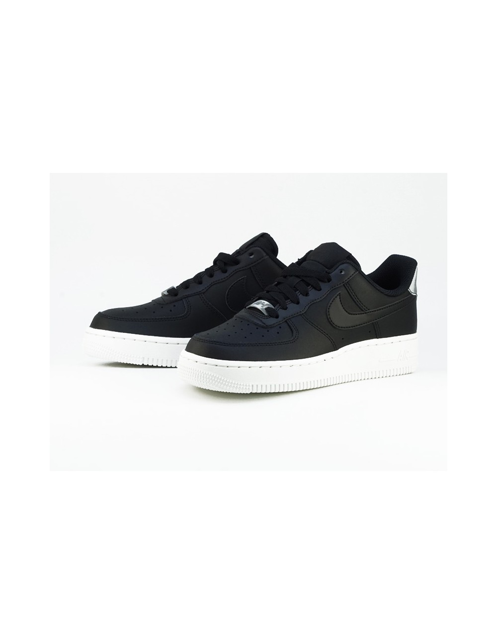 NIKE AIR FORCE 1 ´07 ESSENTIAL