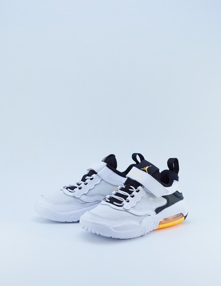 JORDAN MAX 200 WHITE/LASER ORANGE-BLACK