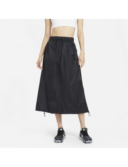 NIKE SPORTSWEAR TECH PACK BLACK SKIRT