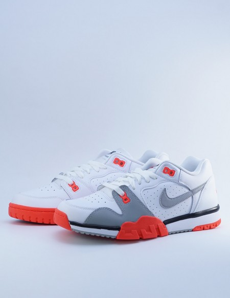 NIKE CROSS TRAINER LOW WHITE/LT SMOKE