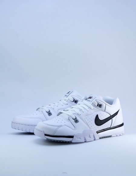 NIKE CROSS TRAINER LOW WHITE/BLACK-PARTICLE GREY