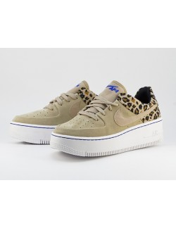 NIKE AIR FORCE 1 SAGE LOW PREMIUM